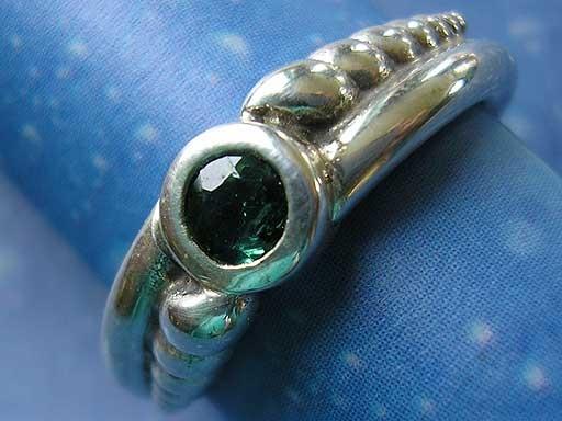 Gartenschnecken mit Turmalin Ring
