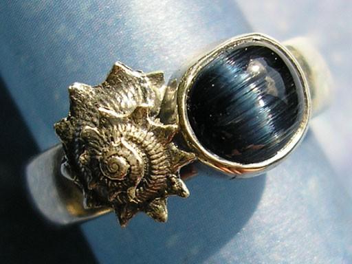 Sonnenschnecke mit Turmalinkatzenauge Ring
