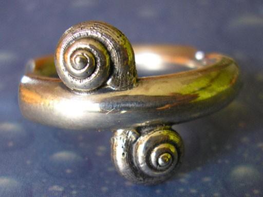 Muschelschmuck Ring mit Schnecken