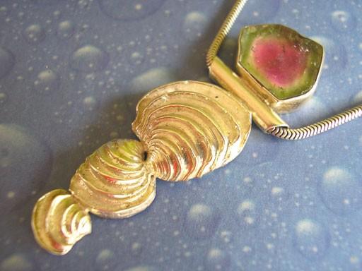 Stufige Venus Muschel Wassermelonenturmalin Anhänger